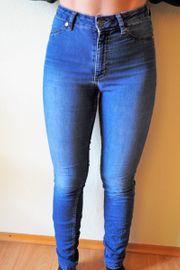 Getragene Jeans von der Lina