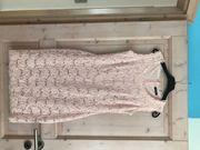 schickes zweiteiliges Kleid mit Jacke