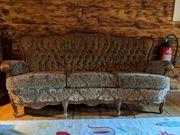 Couchgarnitur mit zwei Sesseln und