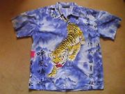 2 Hemden mit Aufdruck