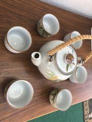 Teeservice mit 6 kleinen Teebechern