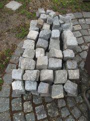 Restposten von Granitsteinen