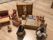 Puppenhaus aus Holz mit Zubehör