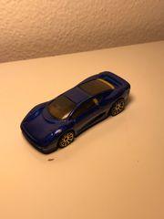 Hot Wheels Jaguar XJ220 Blue