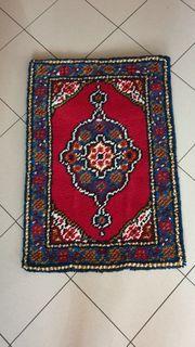 handgeknüpfte Teppiche aus reiner Wolle