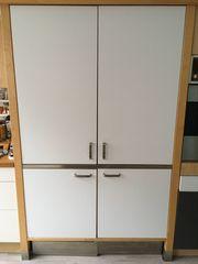 Schrank-Küche mit Kühlschrank Spüle Ceran-Kochfeld
