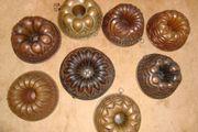 8 antike Gugelhupf Kupfer-Backformen
