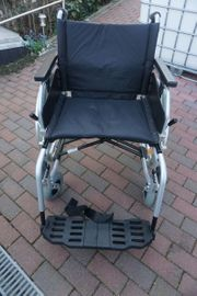 Rollstuhl Sitzbreite ca 57cm Neuzustand