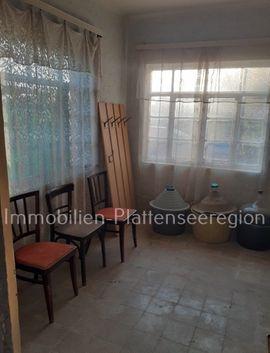 Ferienimmobilien Ausland - Wohnhaus in Ungarn Balatonreg Grdst
