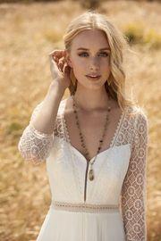 Brautkleid von Rembo Styling Gr