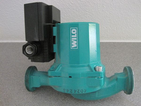 Verkaufe Pumpen Zierkulationspumpen Heizungspumpe Warmwasserpumpe