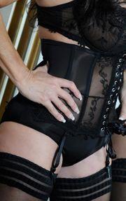 Biete erotische spanische Body to