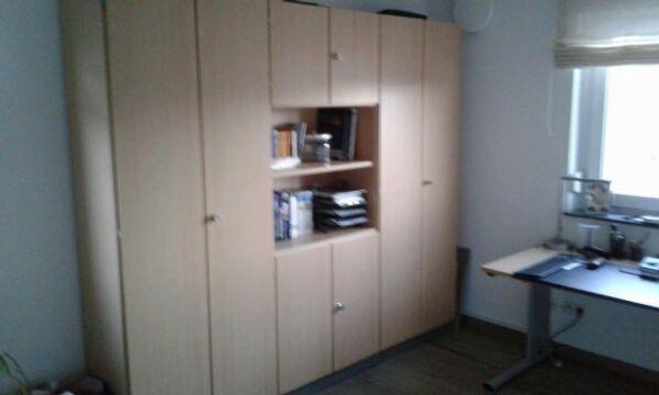 Büromöbel - Aktenschrank Schreibtisch und Rollcontainer