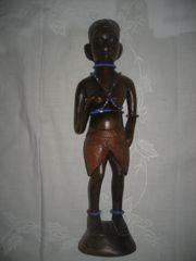 afrikanische Frau Figur aus Holz
