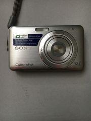 12 1 megapixels Silver Fotoapparat