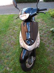 Motorroller Nova Motors an Bastler