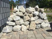 Bruchsteine-Gartenmauer