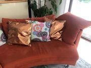 2 x 2-Sitzer Sofa inkl