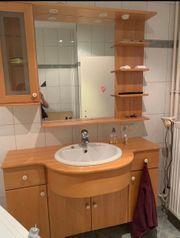 Spiegelschrank Waschbecken und Unterbau