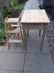 Tisch und Leiter