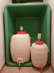 Bottich und Kunststofffässer