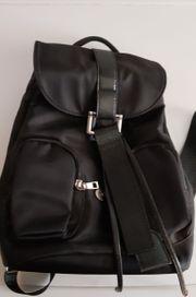 kleiner Rucksack Leder schwarz