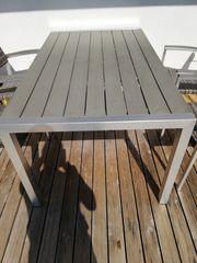 Gartentisch mit 2 Stühlen