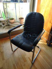 2 Freischwinger-Sessel