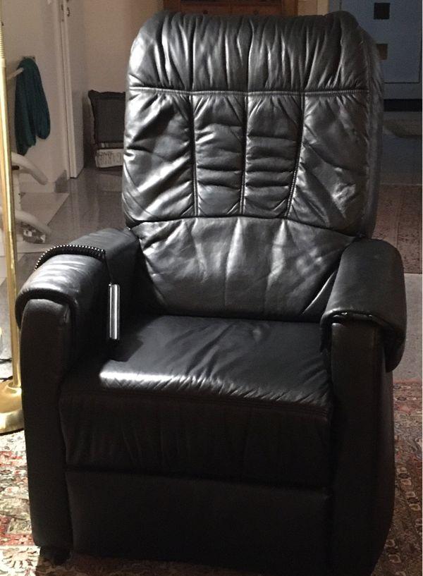 Komfort- Ledersessel mit Liegefunktion und Aufstehhilfe