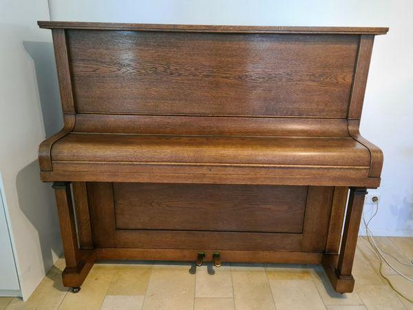 Klavier gut erhalten schöner weicher
