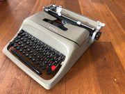 Olivetti Studio 44 Schreibmaschine