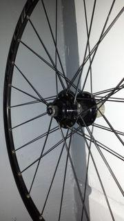 Laufradsatz für Scheibenbremsen ---