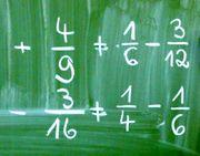 Schullehrer Fach Mathematik gibt Nachhilfe