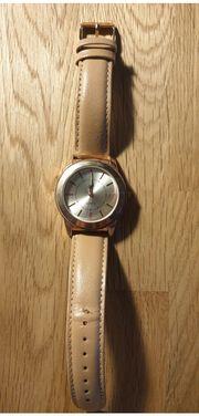 Uhren stehen zum Verkauf Sehen
