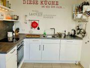 Neuwertige weiße Küche von Möbel