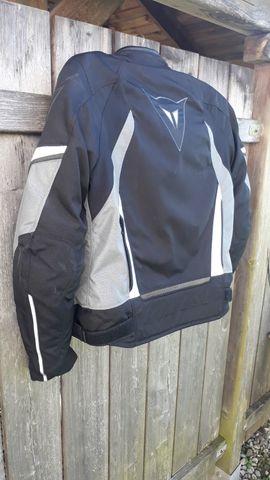 Bild 4 - Dainese Sport Jacke mit Protektoren - Lustenau