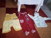 Babystrampler und Jacke zu verkaufen