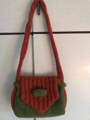 Umhänge-Tasche gefilzt Orange Grün Handarbeit