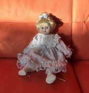 Dekorative 28cm große Puppe