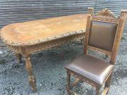 Alter Holztisch mit 6 Sesseln