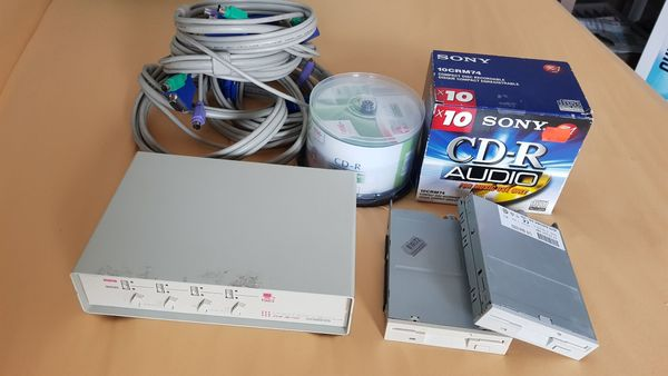 CD-Rohlinge Floppy Laufwerke KVM Switch