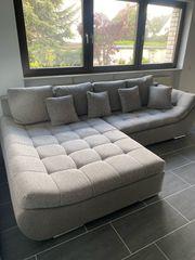 Couch Wohnlandschaft in grau mit