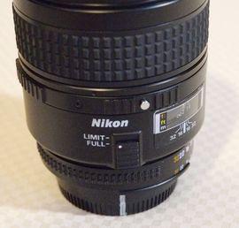 Foto und Zubehör - Nikon Objektiv Nikkor AF 2