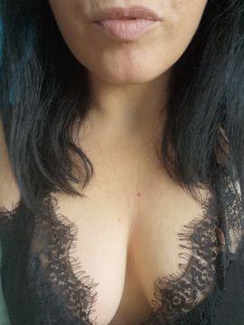 Dominas - Sexy Domlady bietet virtuelle Erziehung