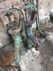 Alte Brunnenpumpe