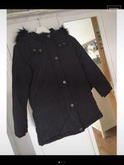 Winterjacke schwarz von Zara Größe