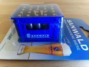 Sanwald Bier Flaschenöffner Bierkastenform blau