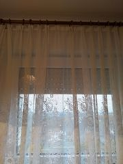 Vorhänge von fünf Fenster