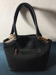 Lederhandtasche Black Rivet sehr guter