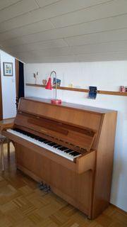 Klavier Yamaha mit Lieferungs-Unterstützung